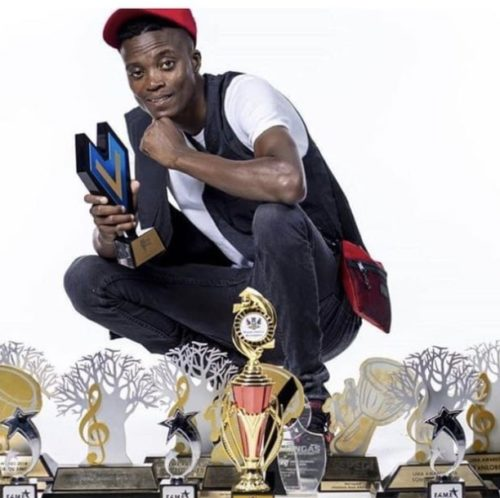 King Monada – Wa Ngobatxa Ft. Mack Eaze, Jen Jen mp3 download