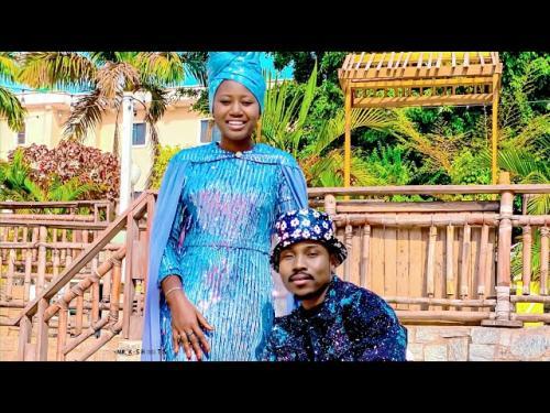 Umar M Shareef Ft. Momee Gombe – Cikin Mafarki mp3 download